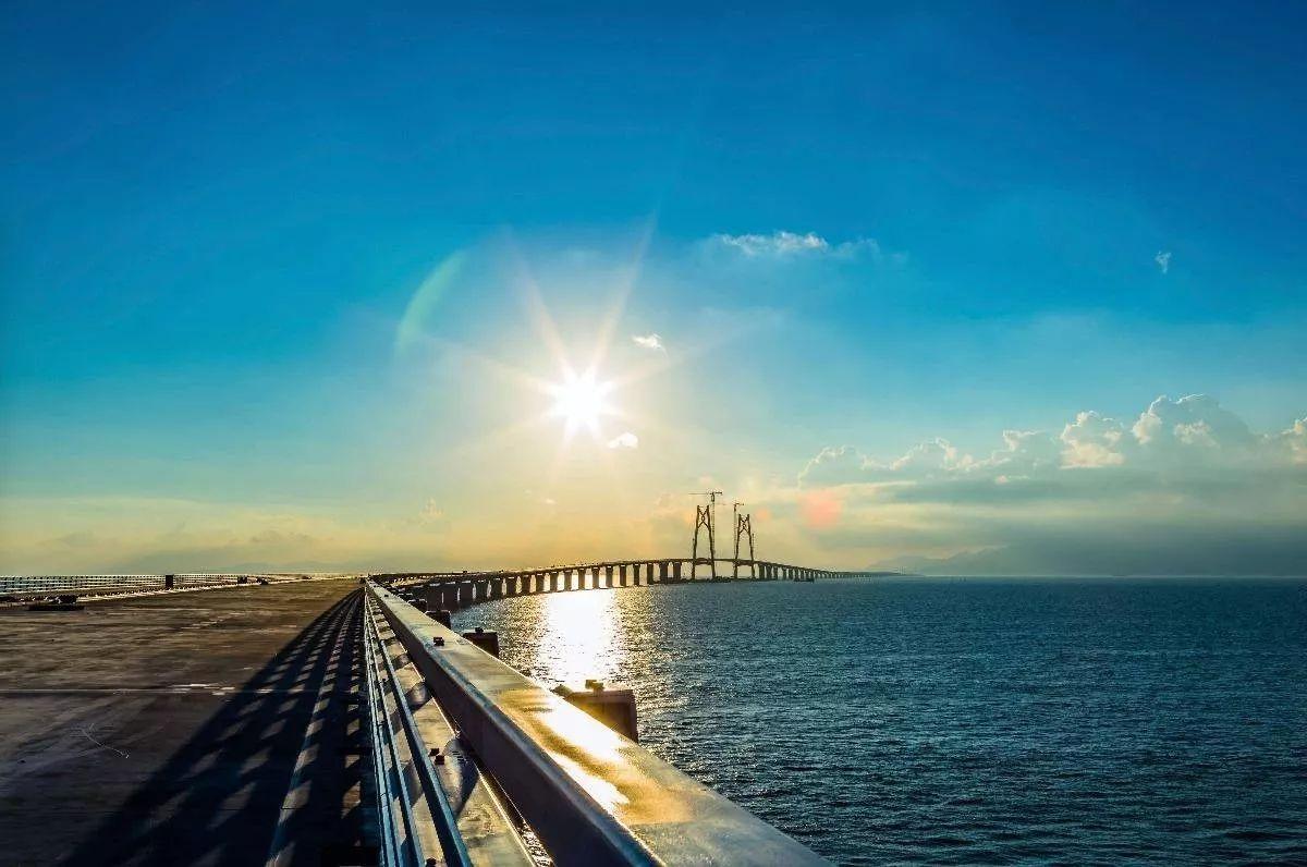 汉邦阻燃板胶合板生态板产品服务于港珠澳大桥